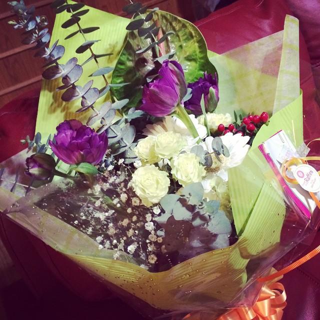 男性へ贈る花束を肥前町にあるお花屋さん『ラフィーニ』に頼むとこんなにステキな花が。男性オーナーが創る花束は、繊細でいつも贈る相手にぴったり。花の世界もまた奥が深い。